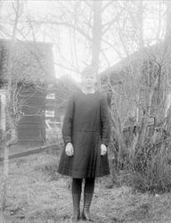 Greta Hällman från Fröslunda, Altuna socken, Uppland 1922
