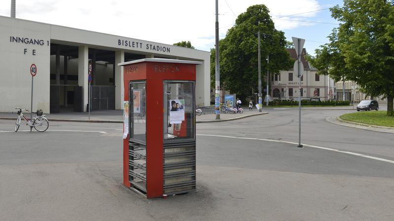Rød telefonkiosk (Foto/Photo)