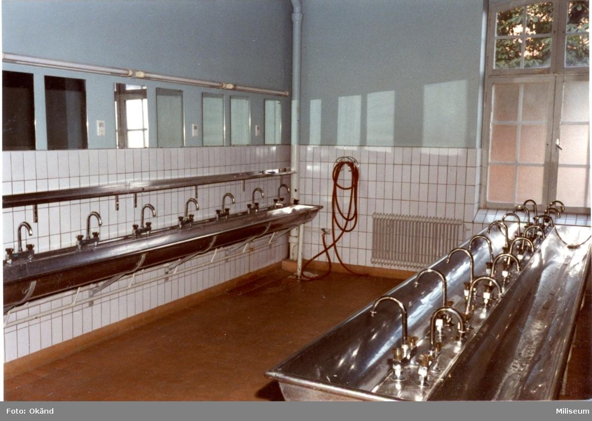 Kompanikorridor, A 6. Tvättställ.