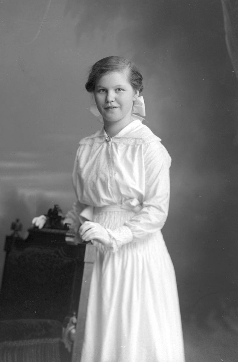 Gunhild Lindkvist, Tredje Tvärgatan 14, Gävle