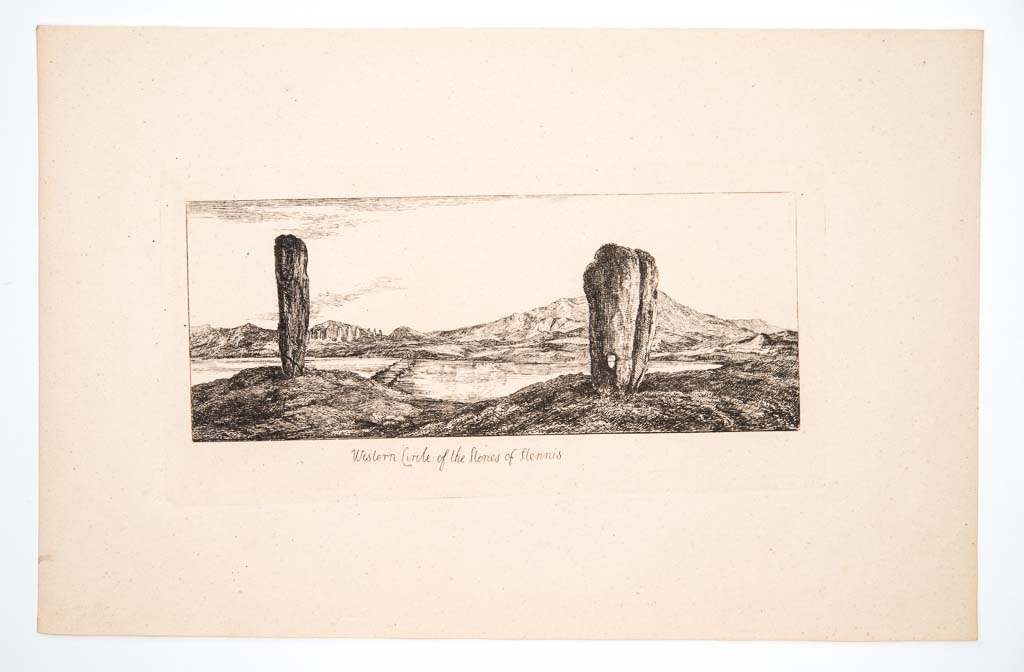 Vy över västra sidans Standing Stones of Stennes, Orkneyöarna