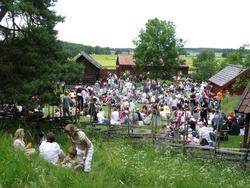 Midsommarfirande på friluftsmuséet Disagården, Gamla Uppsala