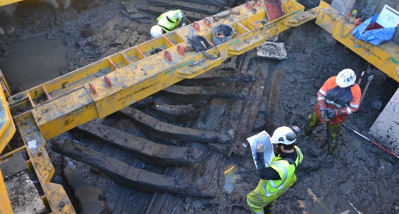 Arkeologer fra Norsk Maritimt Museum dokumenterer skipsvrak på Barcode B3.