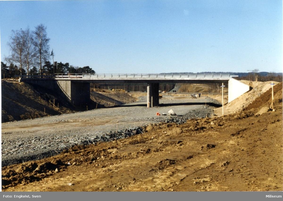 Bron (nya) byggs, över blivande nya E4.