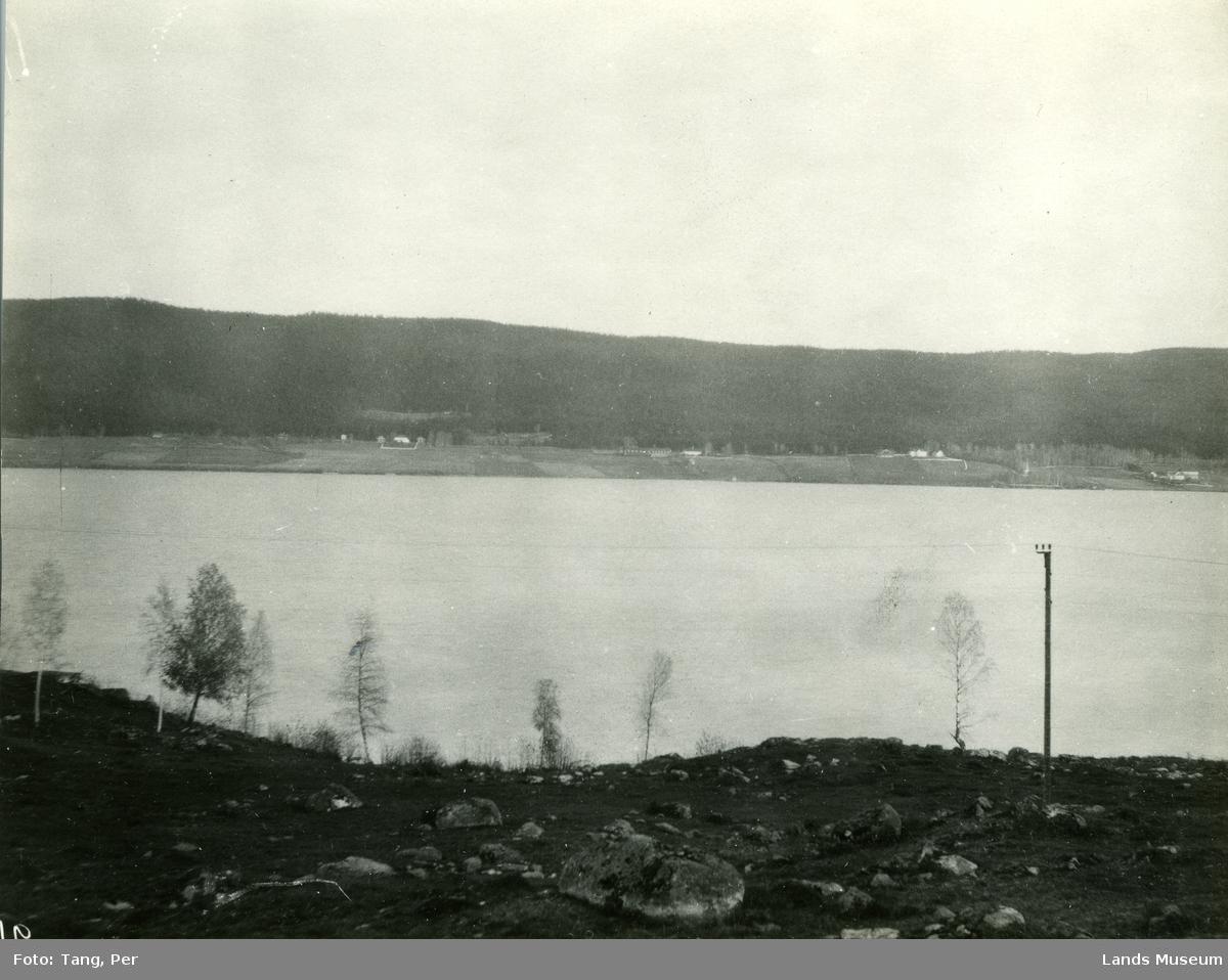 Enger og Sand sett fra Vestsida