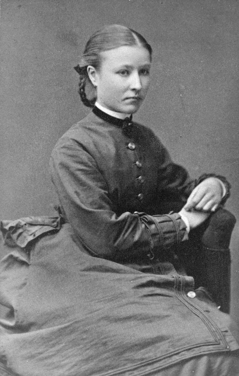 Leontine Lennartsson, 1870-80 tal.