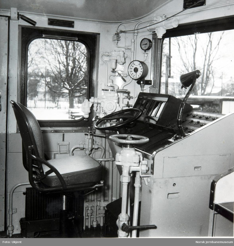 Elektrisk lokomotiv El 12, førerplassen, opprinnelig utførelse