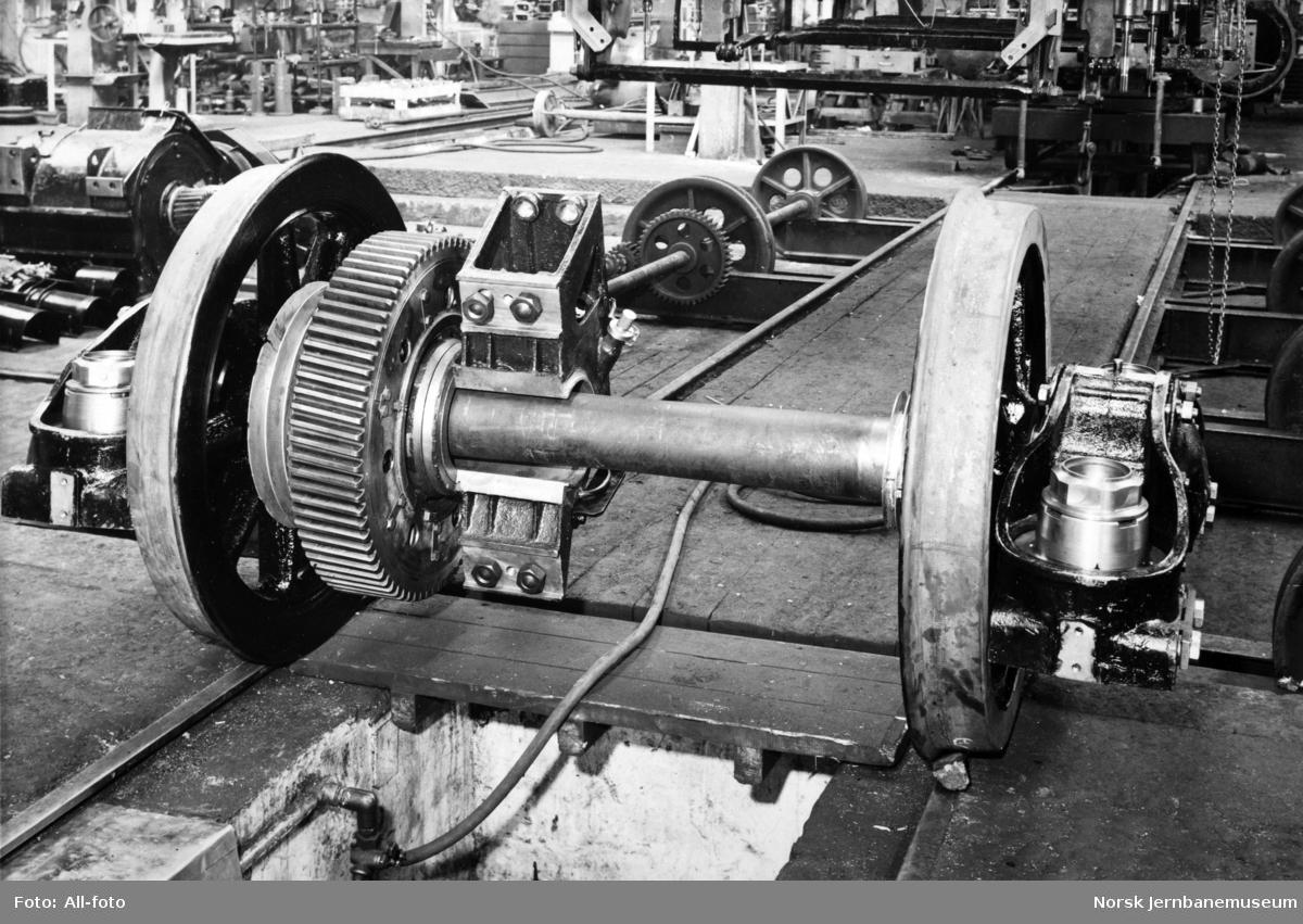 Elektrisk lokomotiv El 11, drivhjul med tannkrans og akselboks