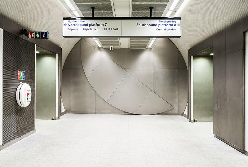 Knut Henrik Henriksen, Full circle, 2009 Permanent artwork at King's Cross St Pancras Underground station, London (UK). Courtesy of the artist and Art on the Underground.