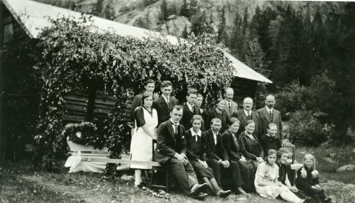 Gravferd etter Arne Bjørneskaret, Sandviken 1927.