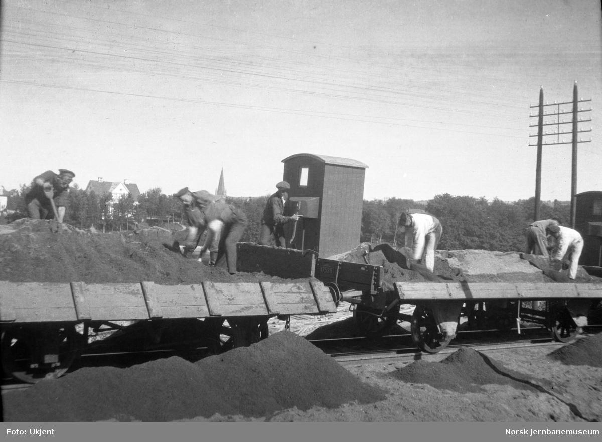 Grusing av spor ved Marienborg i forbindelse med ombygging av Størenbanen til normalspor