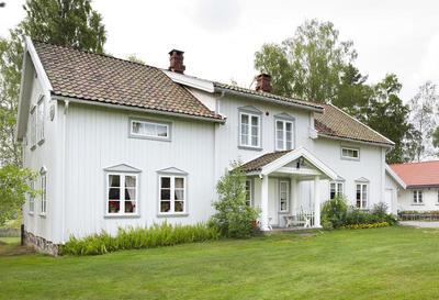 Kinnestad_-_Aurskog-Hland_bygdetun_-_MiA_Museene_i_Akershus.jpg