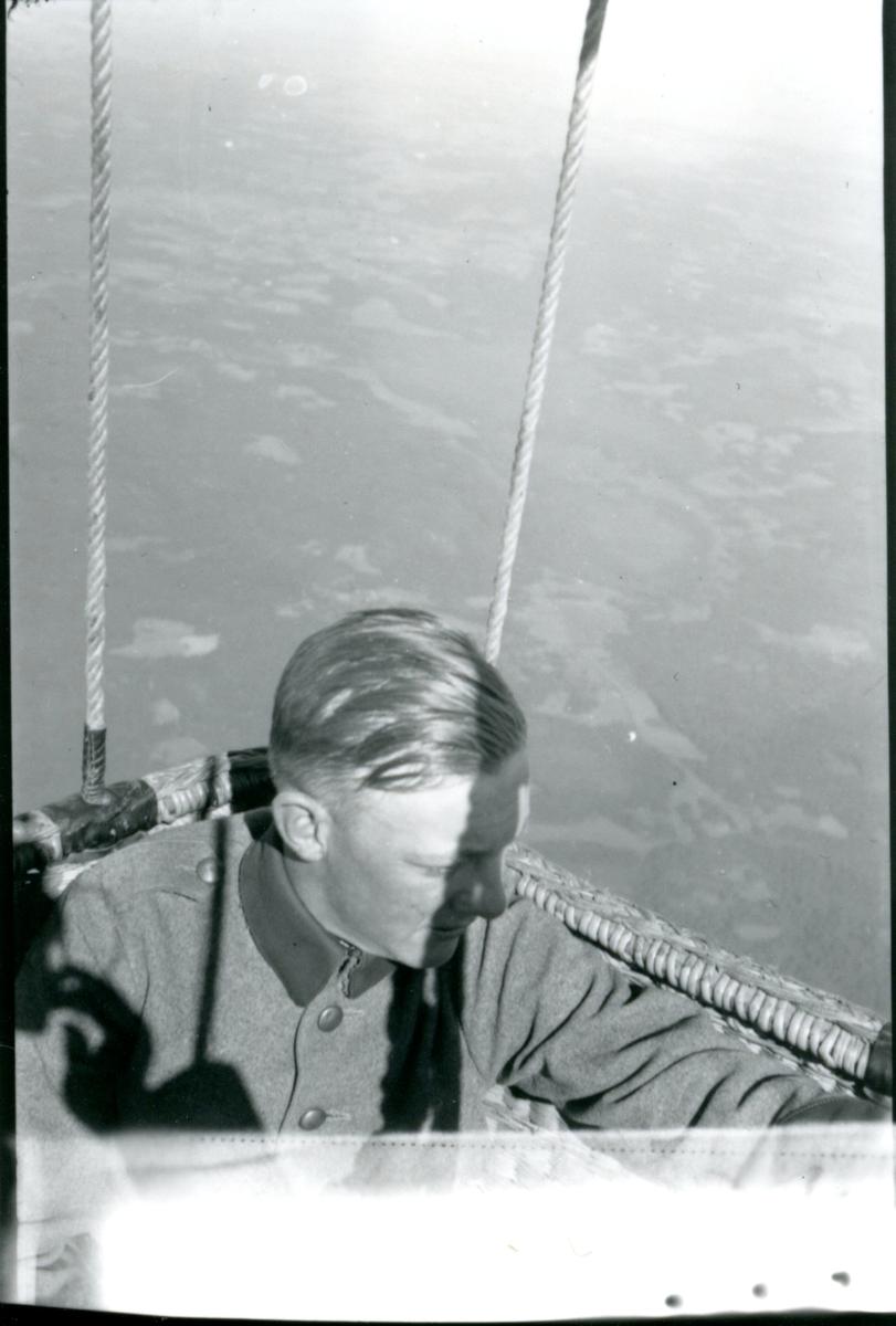Kulballong m/1930 i luften.