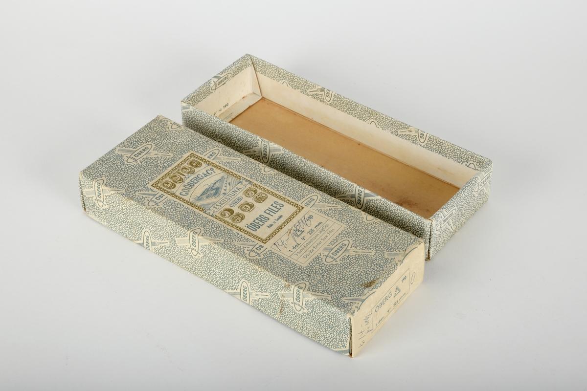 To sagfiler og trehåndtak i original emballasje.