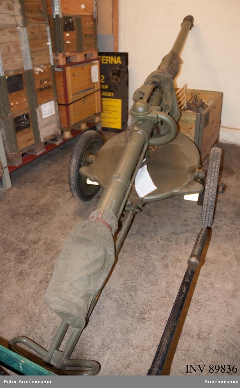 Med inskjutningsvapen nr 21077B.