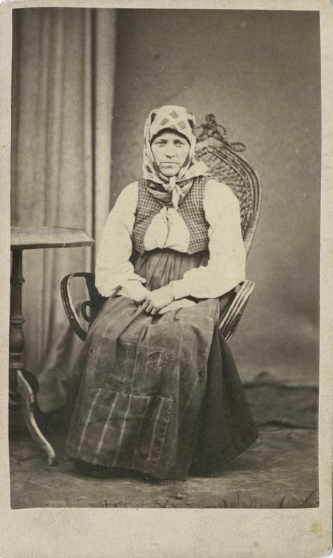 Brynhild Erlandsdatter Maviken, Krødsherad, arrestert i Drammen i 1870, innsatt i distriktsfengslet i Hokksund for å ha 3 barn utenfor ekteskap.