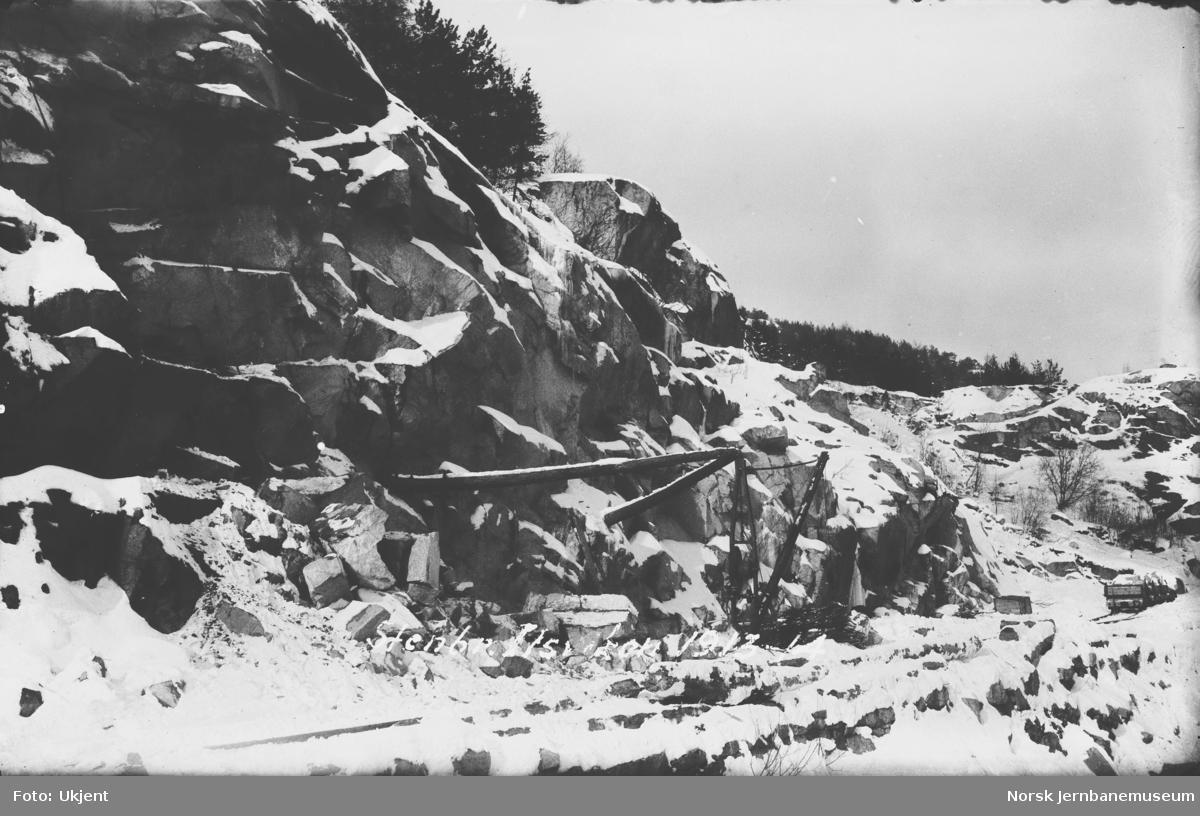 Utsprenging av nytt spor til Ilsvika med malmsilo og kullastingsanlegg