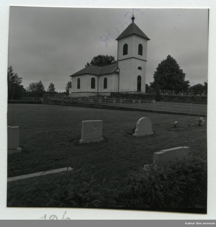 Den tidigare kyrkan i Hälleberga, som brann ned 1976.