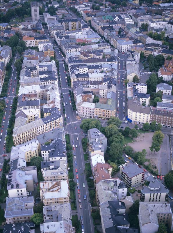 Flere kvartaler bygårder i Oslo sett ovenfra. llustrasjonsbilde fra Bonytt 1986.