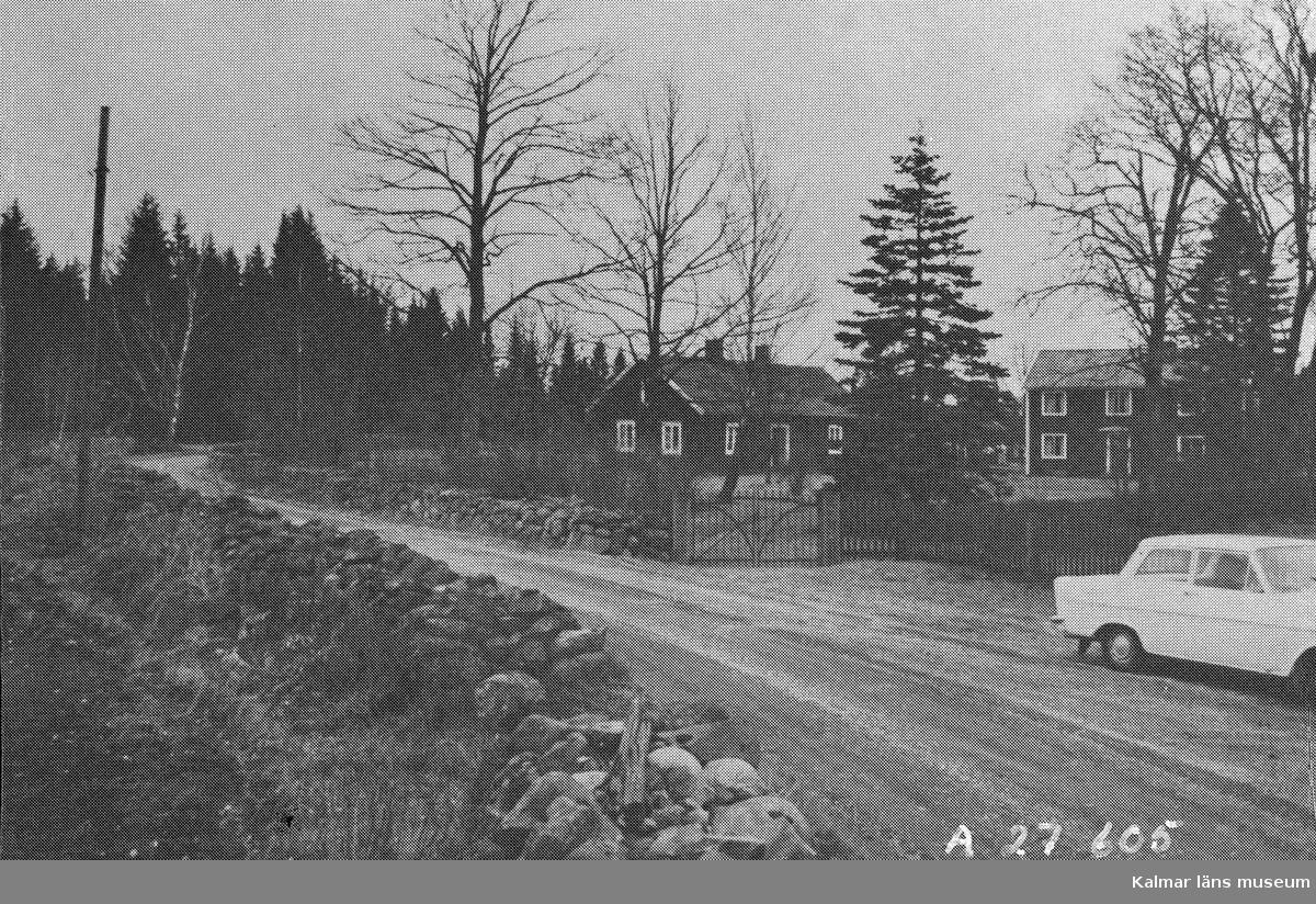 Rapport över kulturhistorisk inventering av Kalmars närmaste omgivningar 1975.