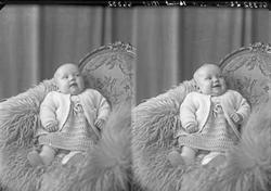 Portrett. Et barn. Bestilt av Fru Karl Hope.