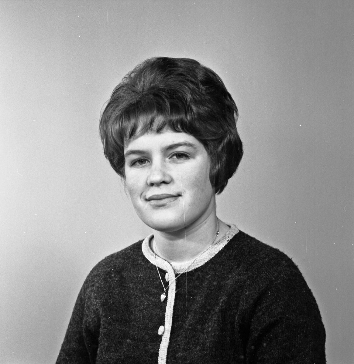 Portrett ung kvinne - bestiller Gerd Kallevik