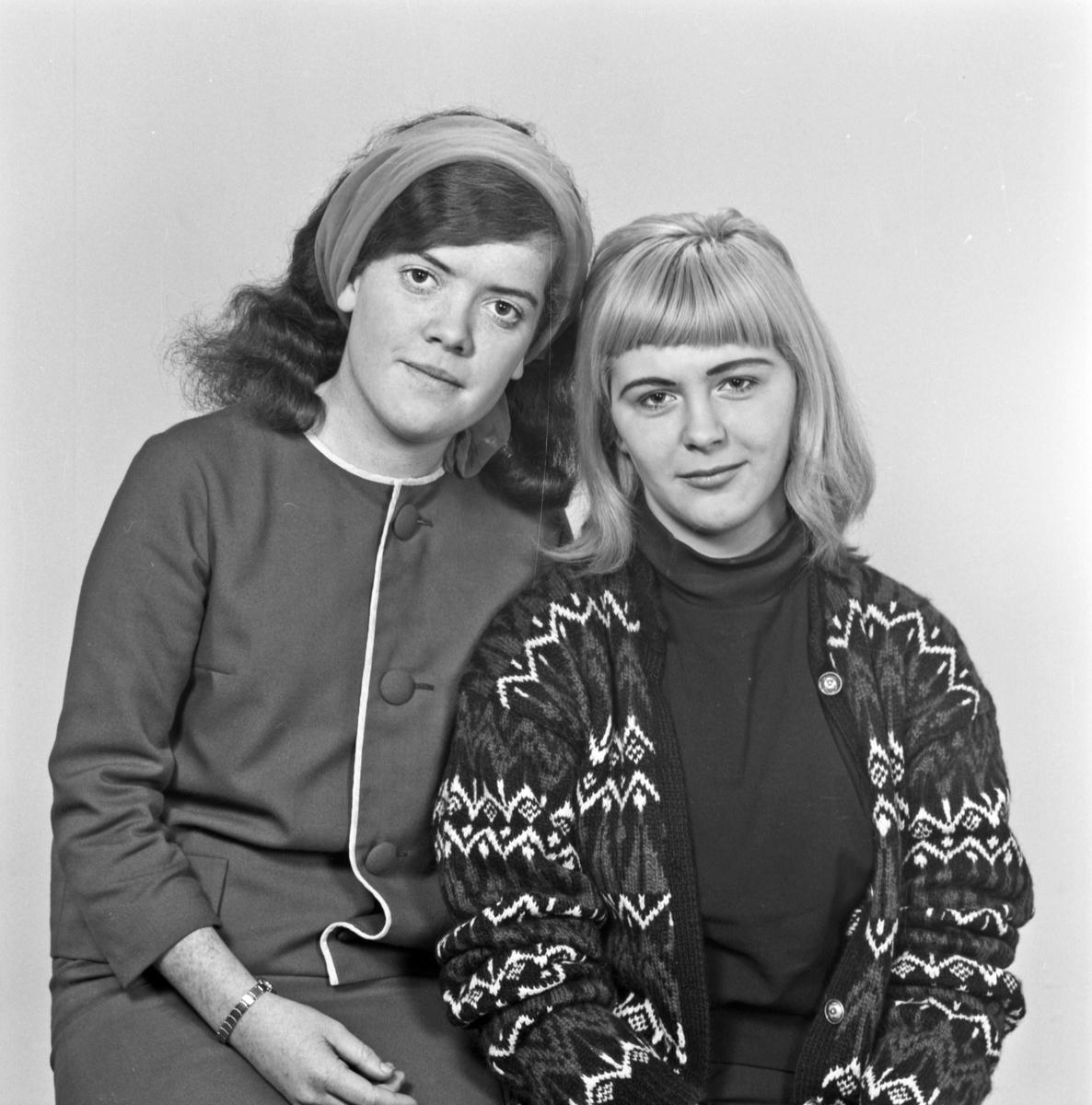 2 Portrett ung kvinne og 2 unge kvinner - bestiller Lillian Larsen