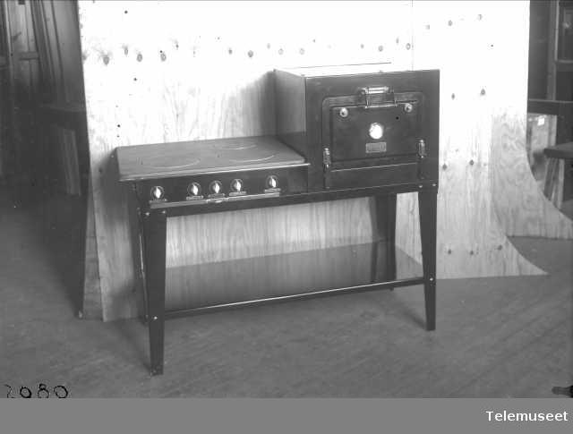 Komfyr type H-kabinett, Elektrisk Bureau.