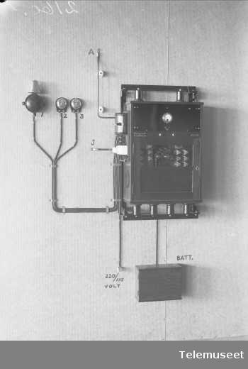 Auto alarmapparat for skip, registrering/varsling av s.o.s, Elektrisk Bureau