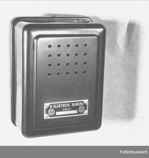 Uidentifisert gjenstand, boks med Elektrisk Bureau-merke.
