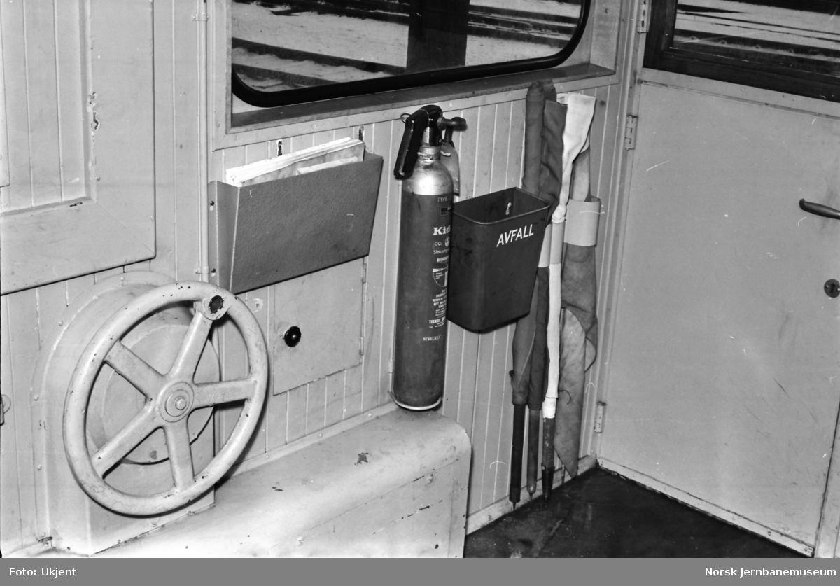 Revisjonstraktor (skiftetraktor) Skd 214 117 - førerrom