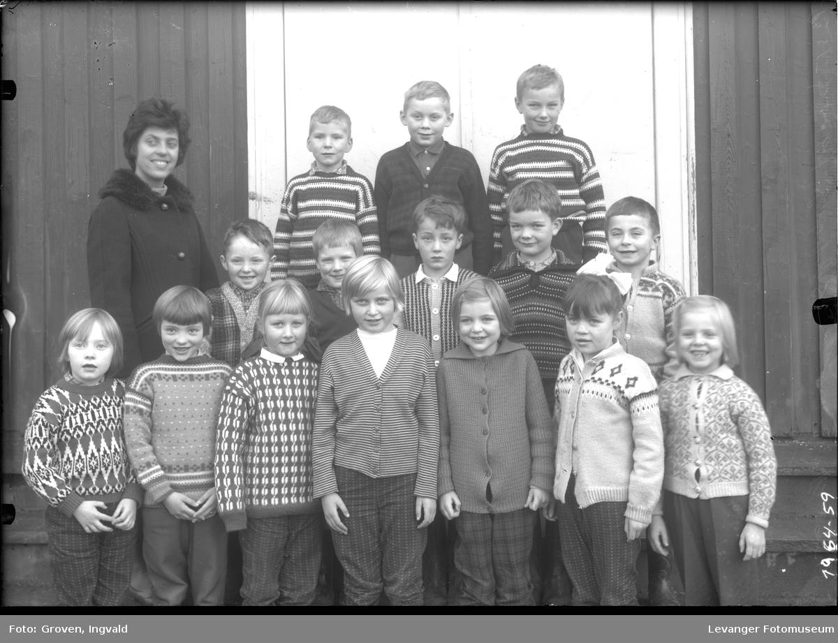 Skolebilde fra folkeskolen , Solhaug skole i Åsenfjord.