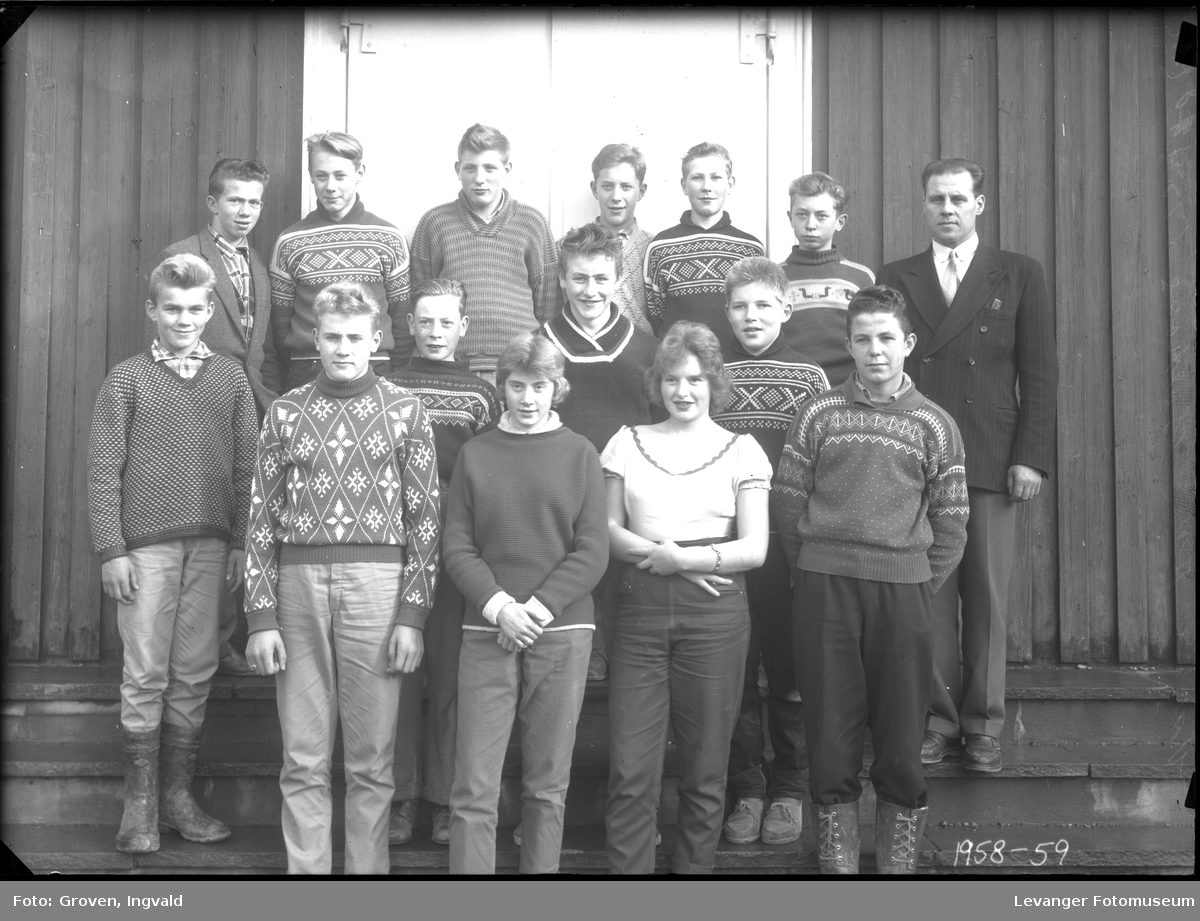 Skolebilde fra folkeskole, Solhaug skole i Åsenfjord.