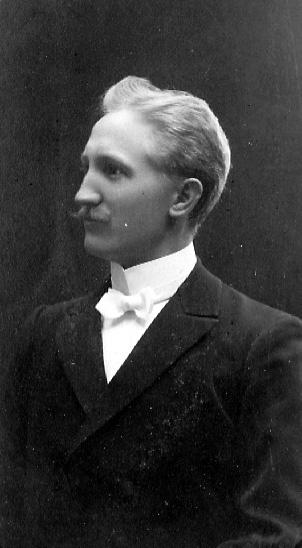 Skräddarmästare Carl G. Pettersson, Törestorp, Daretorp. Fotona är från slutet av 1800-talet till början av 1900-talet.