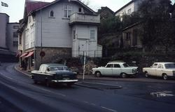 Trafik på Kvarnbygatan vid Gamla torget i Mölndal, 1970-tal.