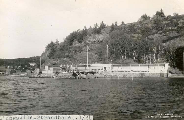 "Enligt Bengt Lundins noteringar: ""Ljungskile. Strandbadet""."