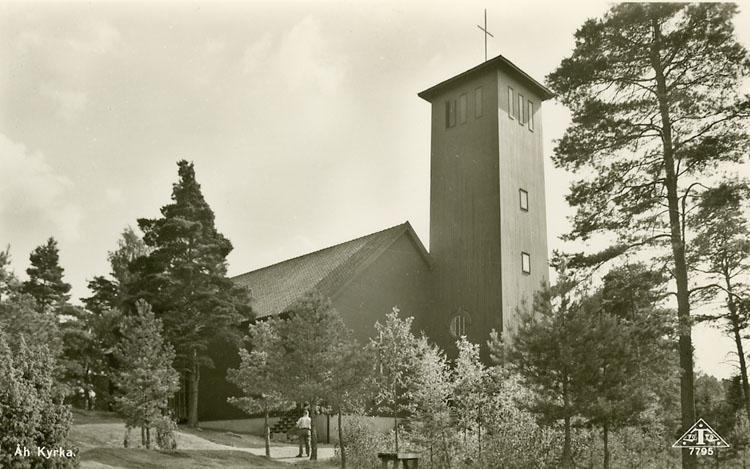 """Enligt Bengt Lundins noteringar: """"Åh Kyrka. Man vid trappa""""."""