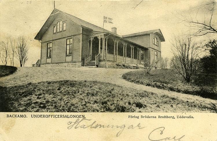 """Enligt Bengt Lundins noteringar: """"Backamo. Underofficersmässen byggd 1880""""."""
