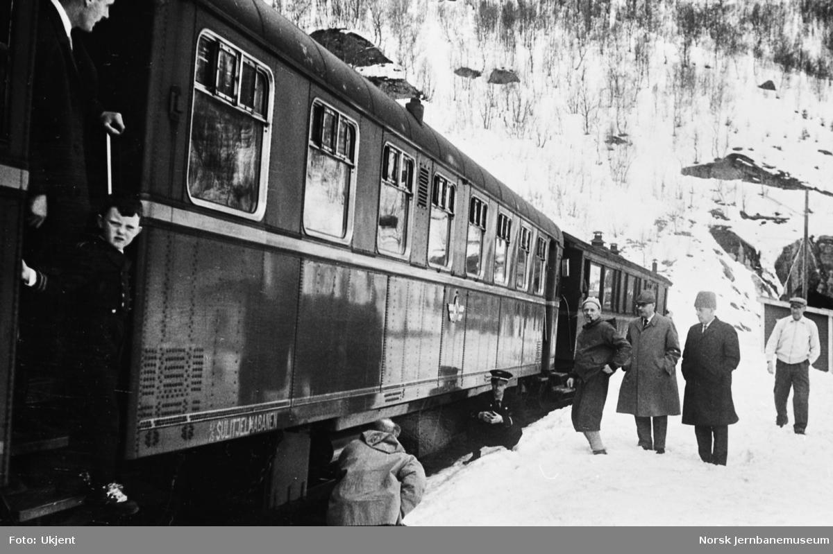 Motorvognen SULITELMA med personvogn BFo nr 2 i tog, antakelig ved Storvik, prøvekjøring?
