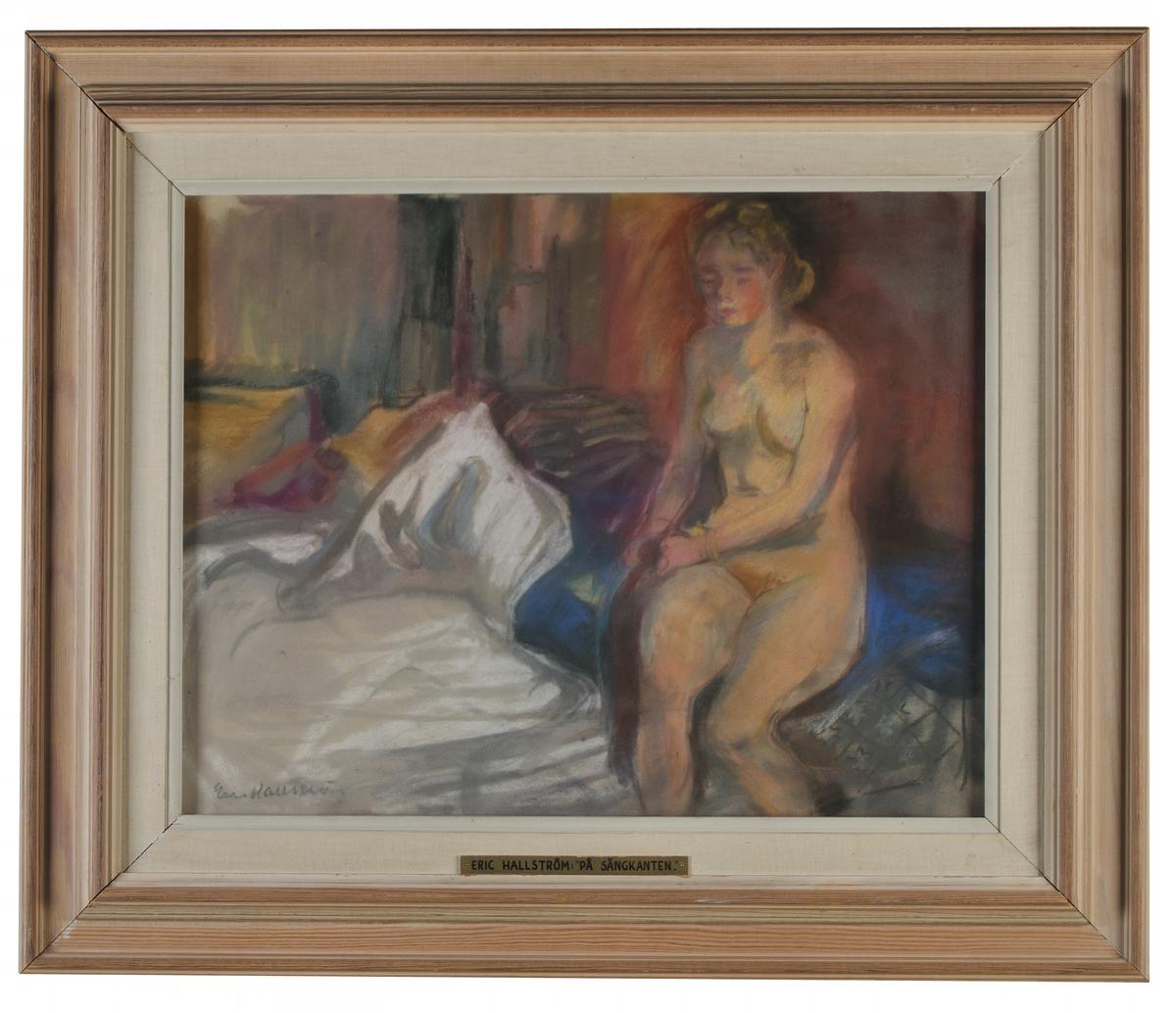 """Pastell på papper, """"På sängkanten"""", Eric Hallström.  Montering/Ram: Vitlaserad träram m. linneklädd innerlist, glasad (original)"""