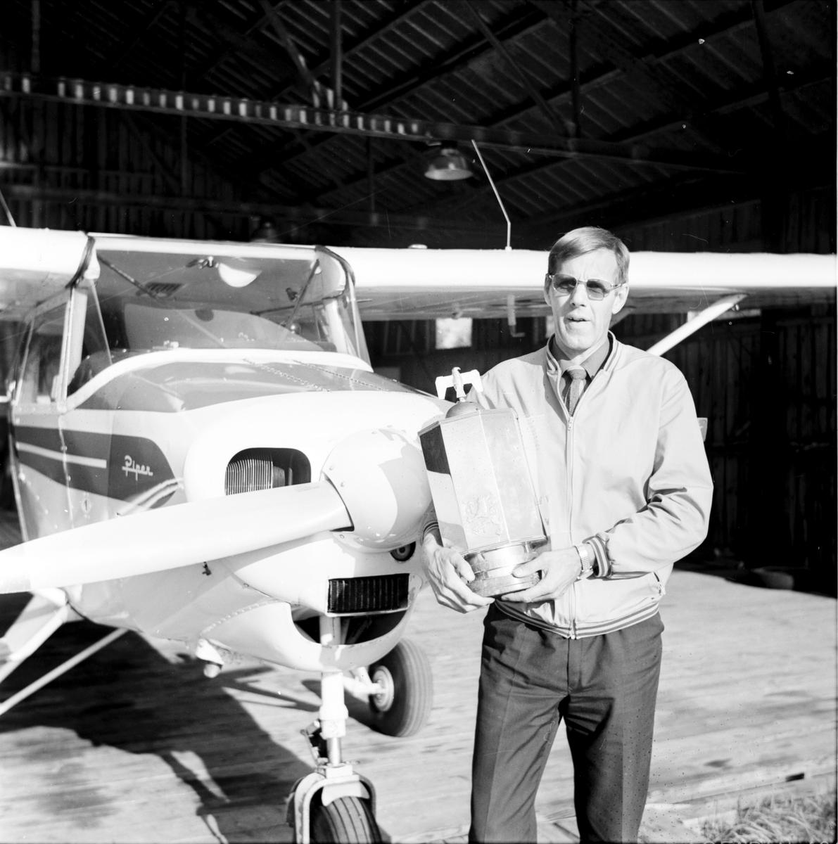 Arbrå, Gillis Unger, Nordisk mästare i motorflyg, Augusti 1971