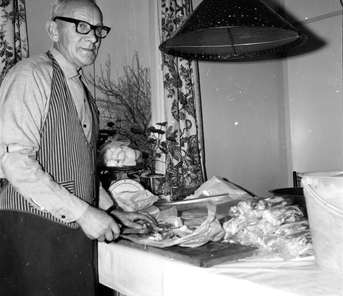 Män i hushållsarbete, 17 Nov 1965