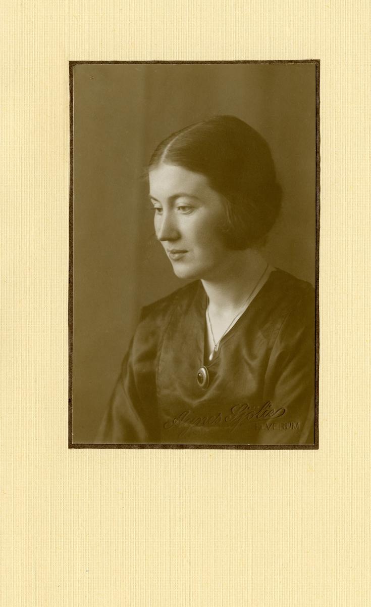 Anna Lander.