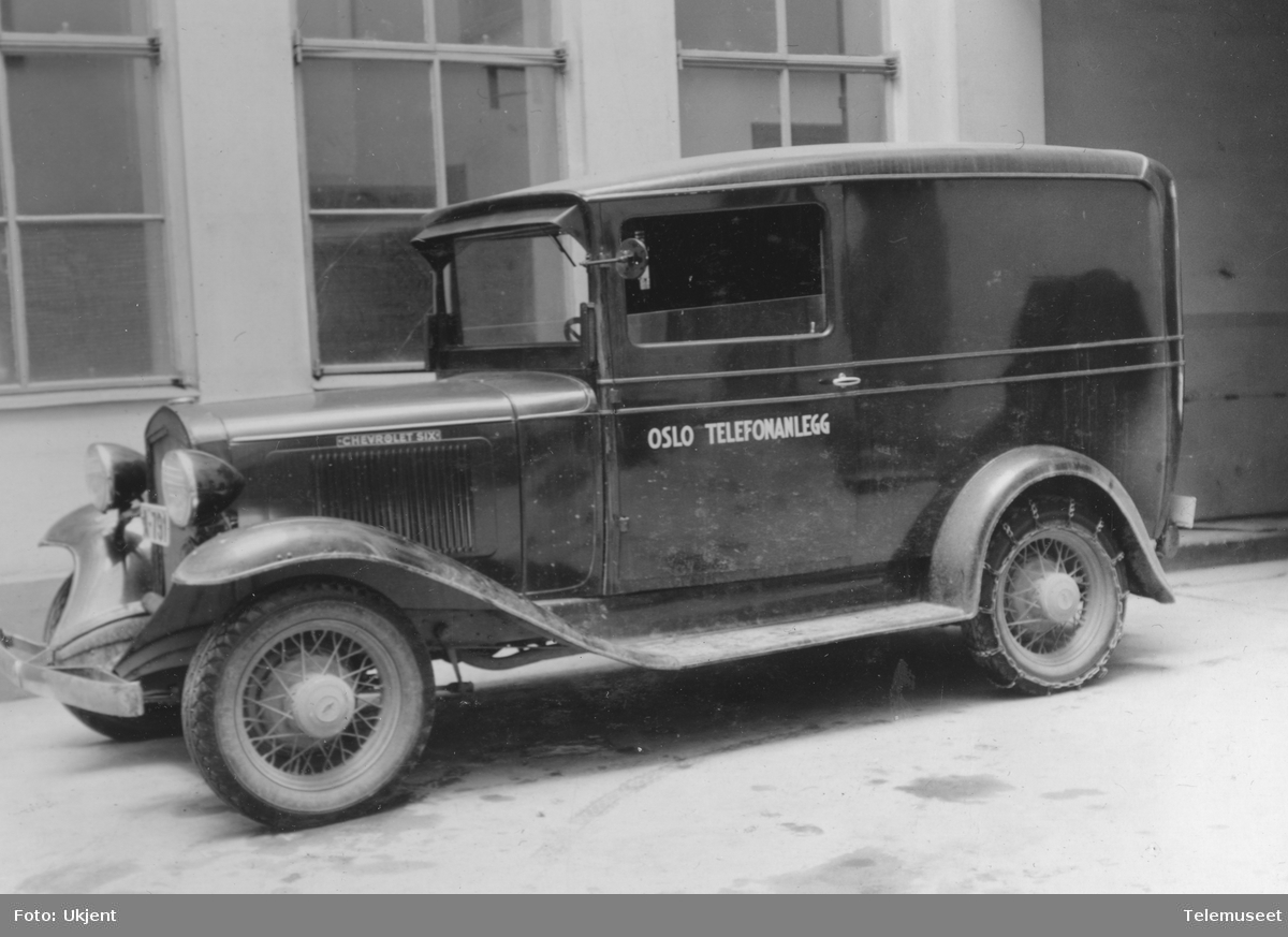 Kombinert last- og personbil for linje og kabelavdelingen ved Oslo telefonanlegg. Modell Chevrolet