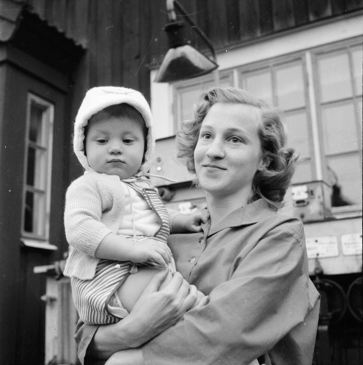 Röstbo. Posten läggs ned. 30/9 1958