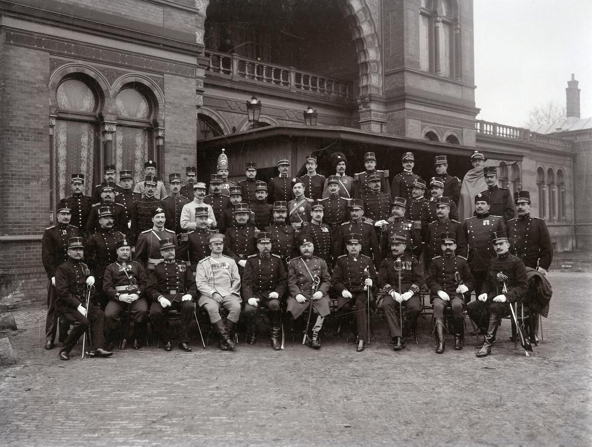 Grupporträtt av deltagare i fäktning parad 1907. För namn, se bild nr. 2.