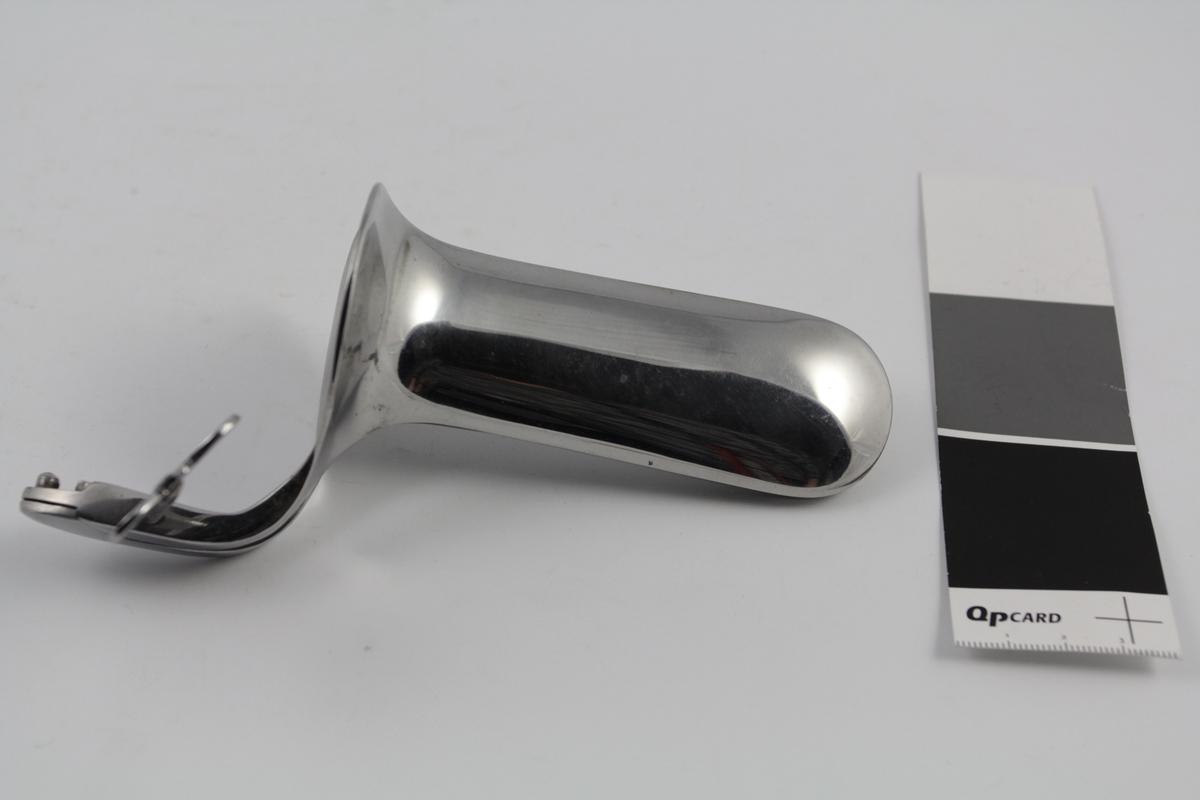 Gynekologisk instrument, brukt ved gynekologiske undersøkelser. I stål. Solgt fra apotek.