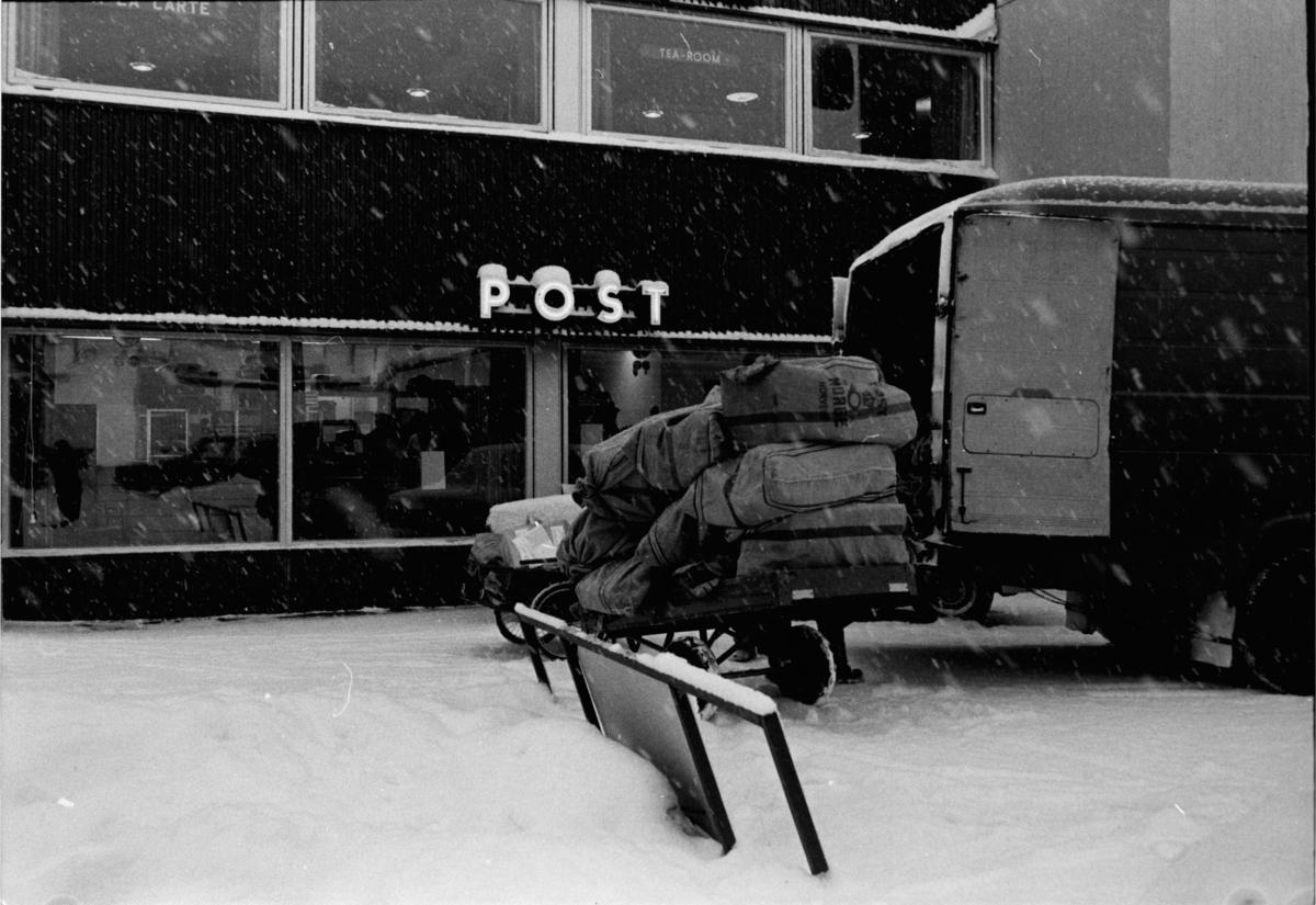 Bergen Postkontor. Posttransport.