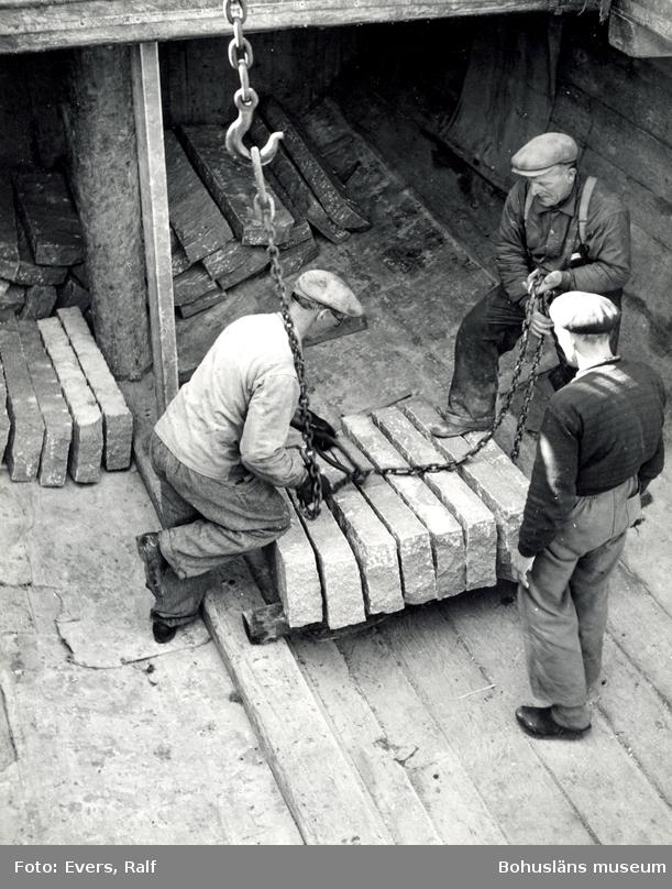 Lastning av kantsten på fartyg