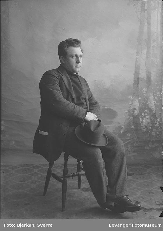 Portrett av August Weiss.Portrett